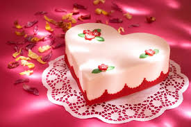 How To Decorate Heart Shaped Cake Valentines Day Cake Pictures Lovetoknow
