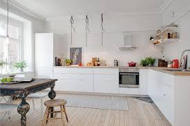 cuisine blanche parquet parquet dans cuisine best with cuisine sol parquet with