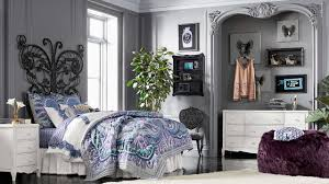 Bedroom Furniture Listers Anna Sui Recreates Her Teen Bedroom Allowing Us To Get A Peek At
