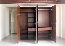 placard moderne chambre placard vide élégant et moderne dans une chambre d une maison neuf