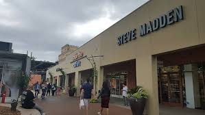 Desk Outlet Store What U0027s Going On At The Citadel Outlets Racked La