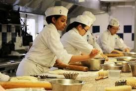 cherche chef de cuisine cherchez la femme en cuisine