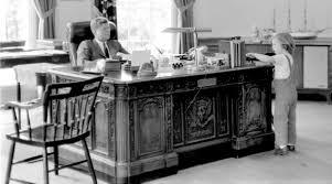 virtual president u0027s desk enlivens jfk u0027s 1800s desk