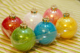 how to decorate glass ornaments for rainforest islands