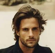 medium wavy hairstyle men mens medium length hairstyles for wavy