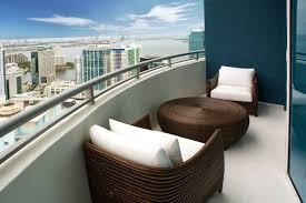 nice ways to decorate the balcony of an apartment