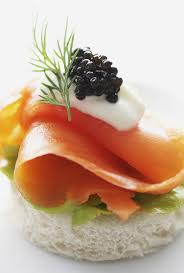 m fr canapes scrumpdillyicious smoked salmon caviar canapé with crème fraîche