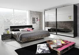 bett im wohnzimmer bett dekoration braun home design