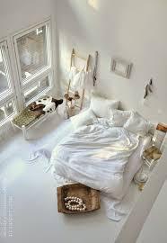 cama pode ser uma boa apostar no charme rebelde do colchão no
