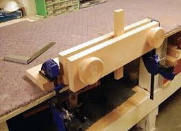 Wooden Bench Vise Plans by Build A Moxon Vise Canadian Woodworking Magazine