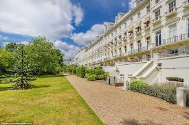 hyde park 1 bedroom apartments hyde park gardens apartment on sale for 8m at harrods estates
