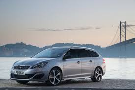 peugeot leasing europe reviews the motoring world peugeot 308 sw wins carbuyer award for best