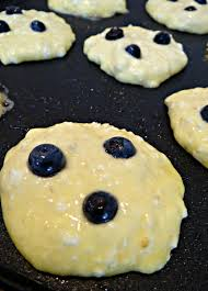 fluffy lemon blueberry cottage cheese pancakes