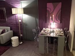 chambre prune et blanc chambre taupe et prune mobilier décoration