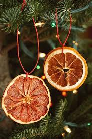 citrus garland and ornaments maker