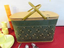 vintage picnic basket lot detail vintage hawkeye by burlington basket co picnic