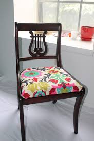 how much fabric is needed to cover a dining room chair seat