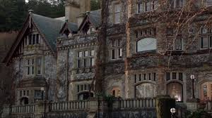 queen mansion arrowverse wiki fandom powered by wikia