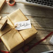 What Is A Good Hostess Gift by Bridal Etiquette Should I Buy A Gift For The Hostess Of My Bridal