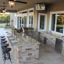Ideas For Highly Functional Traditional Outdoor Kitchens - Backyard kitchen design