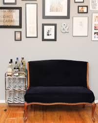 comment retapisser un canapé comment retapisser un fauteuil
