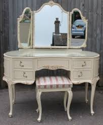 How To Create A Stylish Bedroom With Second Hand Shabby Chic - 2nd hand home furniture