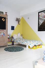 peinture chambre garcon tendance tendance idee chambre bebe peinture vue cour arri re with triangles