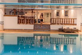 hotel piscine dans la chambre hôtel du golf grand hôtel du golf palace à crans montana