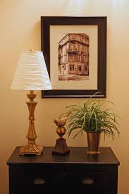 southern lagniappe decorating with black and white photographs