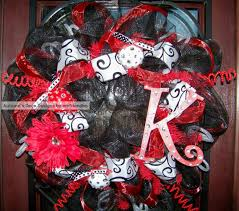 White Deco Mesh Glitzy Red Black And White Deco Mesh Wreath By Myfriendbo On Etsy