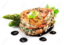 cuisine fond blanc haute cuisine entrecôte aux asperges isolé sur fond blanc banque d