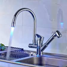 lumiere led pour cuisine obeeonr robinet de cuisine avec lumières led mitigeur d évier