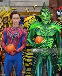 reeve carney as spiderman and robert cuccioli as green goblin from picture id154770678