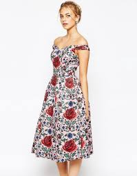 casual clothing for women over 50 what to wear to all these summer weddings serious favorites for
