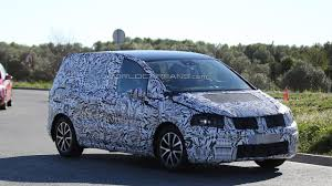 2016 Volkswagen Touran Continues To Wear Full Body Camo In Latest
