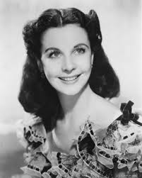 do you think that dorothy s hairstyle looks like scarlett o hara s