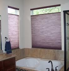 rollos für badezimmer raffrollos fürs badezimmer sorgen für eine vollkommene
