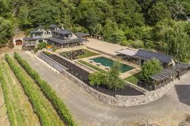 Farm House by An Eco Friendly Farmhouse On A Gentleman U0027s Vineyard Asks 3 85m