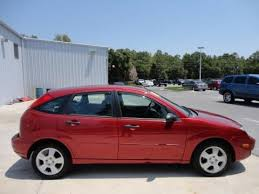 ford focus zx5 specs 2005 ford focus zx5 ses hatchback data info and specs gtcarlot com