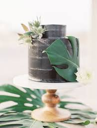 picture of marble wedding cake with palm leaves