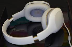 Xiaomi Mi Headphone xiaomi mi headphones 30 headphones that competes with the big boys