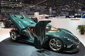 green koenigsegg regera koenigsegg regera hybrid hypercars made mega debut at geneva