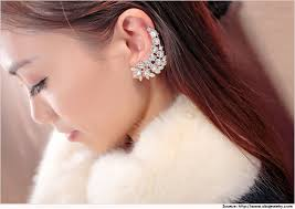 how do you wear ear cuffs how to wear ear cuffs ear cuffs earrings designs metromela