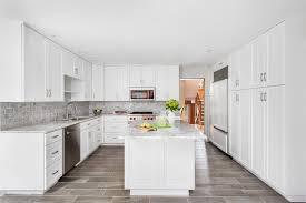 white shaker kitchen cabinets backsplash summerhill cambria quartz with shaker white cabinets