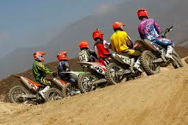 motocross action 450 shootout mxa s 2013 450 four stroke shootout six 2013 motocross bikes walked