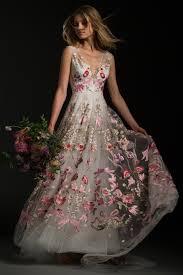 non traditional wedding dresses 25 non traditional wedding dresses for the unconventional