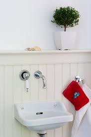 alternative wandgestaltung holzpaneele im badezimmer wandgestaltung statt fliesen usa