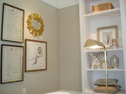 decorations benjamin moore navajo white white walls cream trim