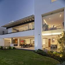 beautiful garden and open plan living room near green yard