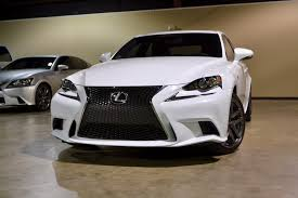 lexus is 350 ultra white 409 main l jpg
